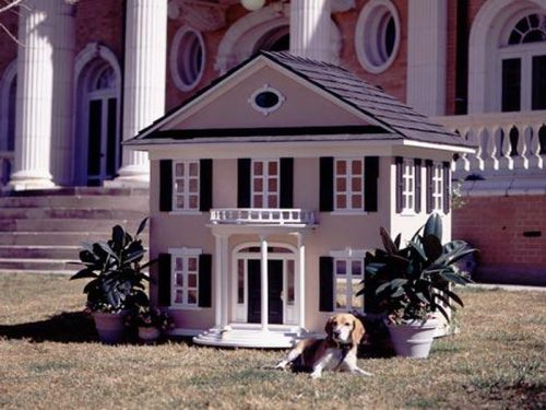 10 Dog Houses That Will Make Humans And Dogs Drool With ...  10 Dog Houses T...